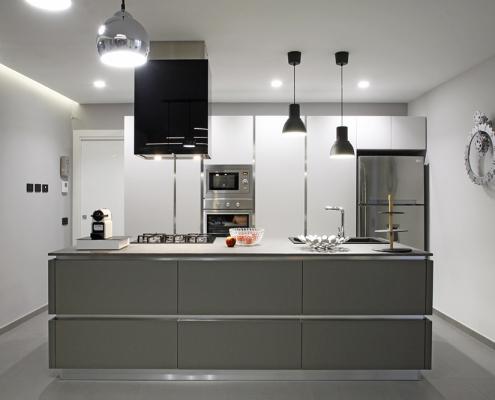 cucina moderna con isola gela
